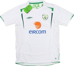 2005-2007 Ireland Umbro Away Football Shirt (Kids)