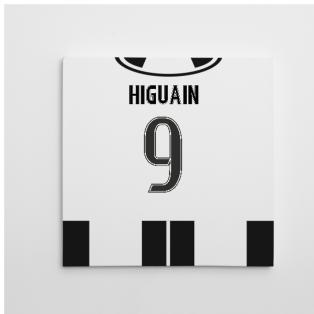 2016-2017 Juventus Canvas Print (Higuain 9)